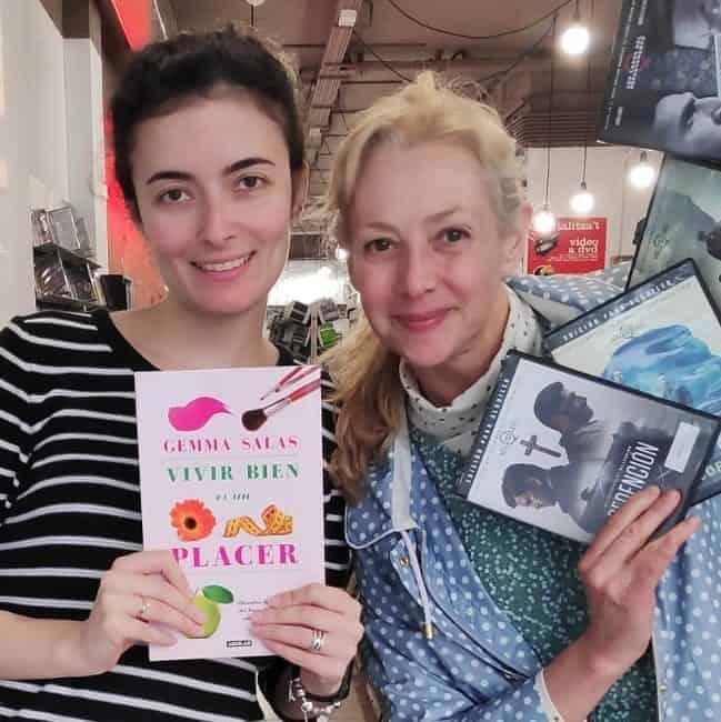 Gemma Salas con su libro