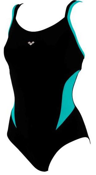 Natación con estilo, un cuerpo moldeado y estilizado