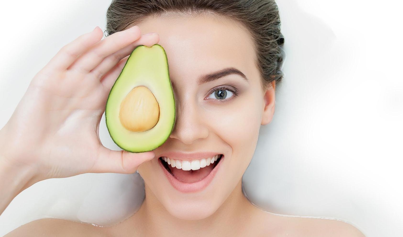 cuidar la piel en casa aguacate