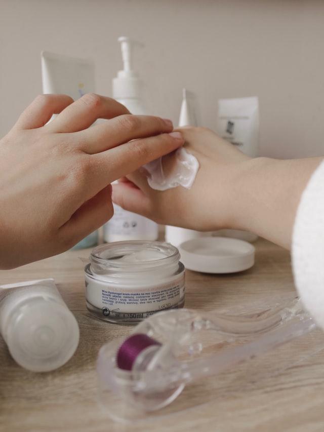 Cómo hacer calamina casera para el cuidado de la piel