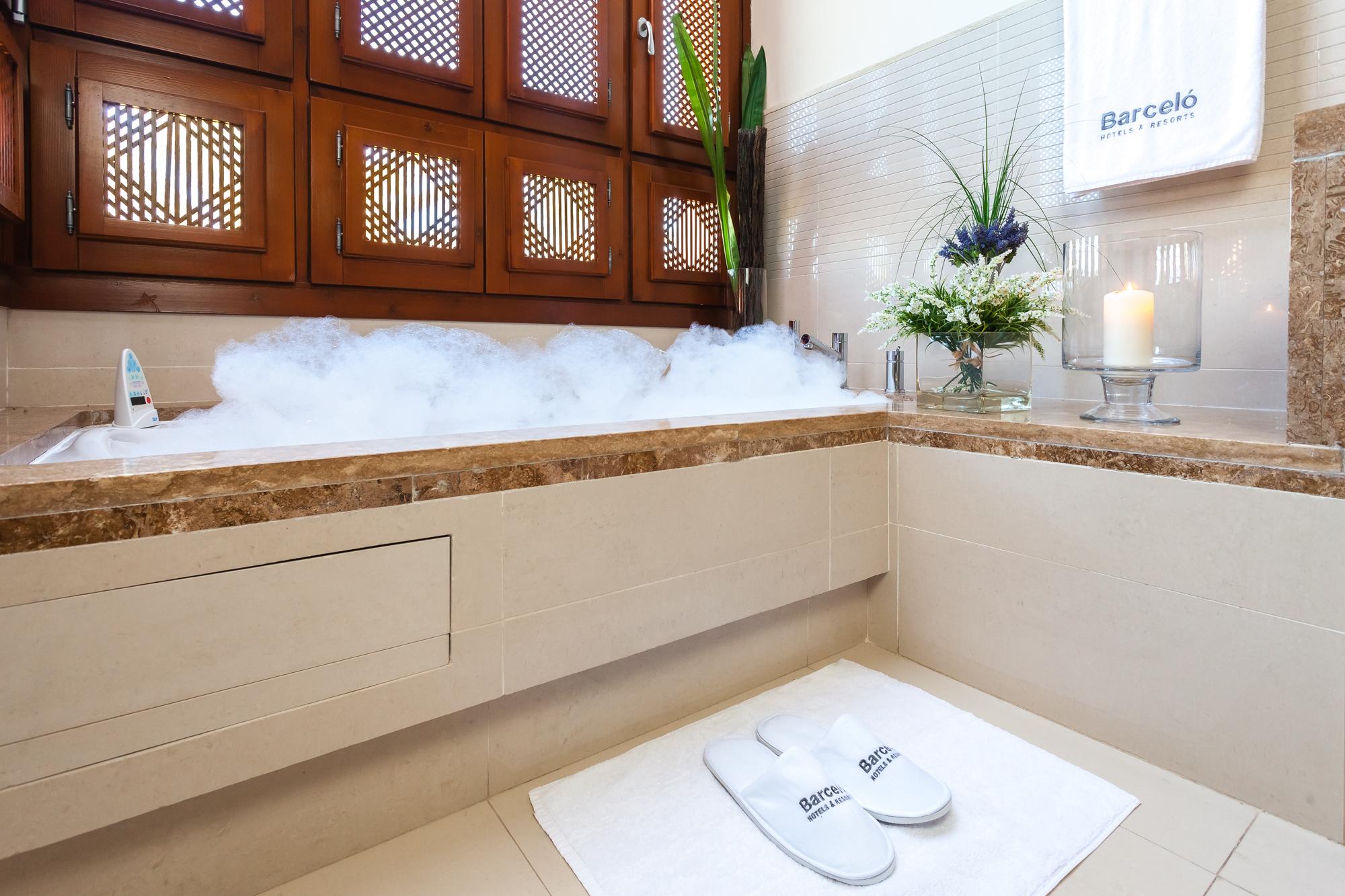 Rituales de baño en casa con ingredientes naturales