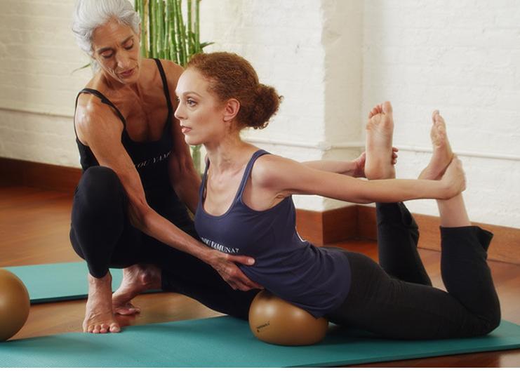 Body Logic:  Alinea, moldea y reestructura el cuerpo