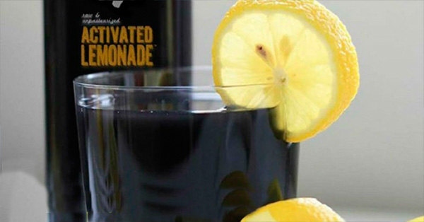 Bebidas con carbón vegetal activado hechas en casa