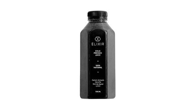 Carbón vegetal para la salud y en bebidas detox