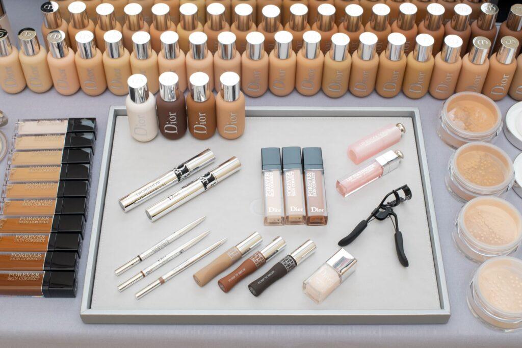 CRUISE DIOR 2021 – Colección crucero en moda y maquillaje