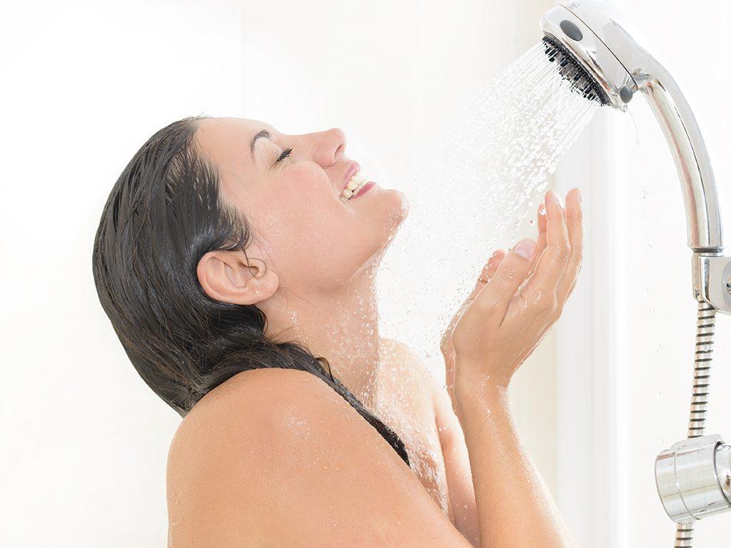 Mitos y verdades sobre la piel en la ducha