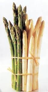 Los ricos espárragos blancos o verdes, nutritivos y diuréticos