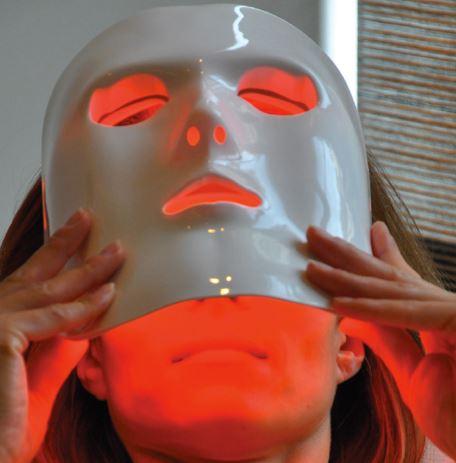 Fototerapia con LED: Diodos emisores de luz para la piel, cabello y uñas