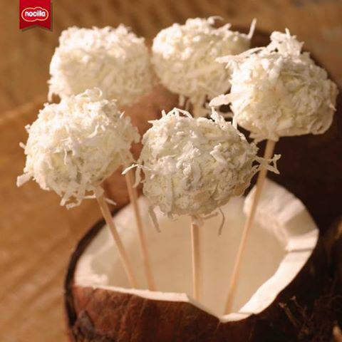 Polines o helados caseros de Nocilla y coco