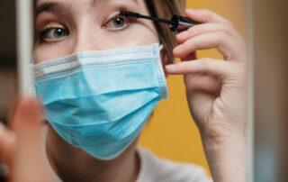 pandemia COVID-19 piel con maskné