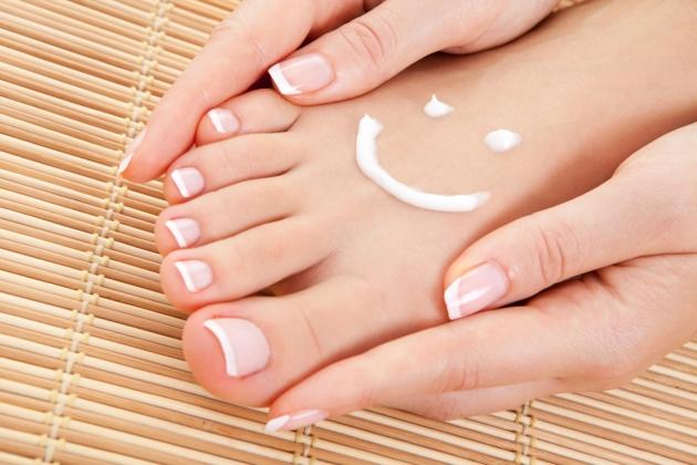 Cuidados de los pies y calzado en verano