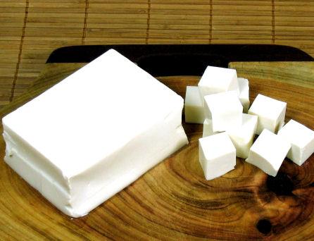 Tofu, rico en proteínas y para aliviar los síntomas de la menopausia